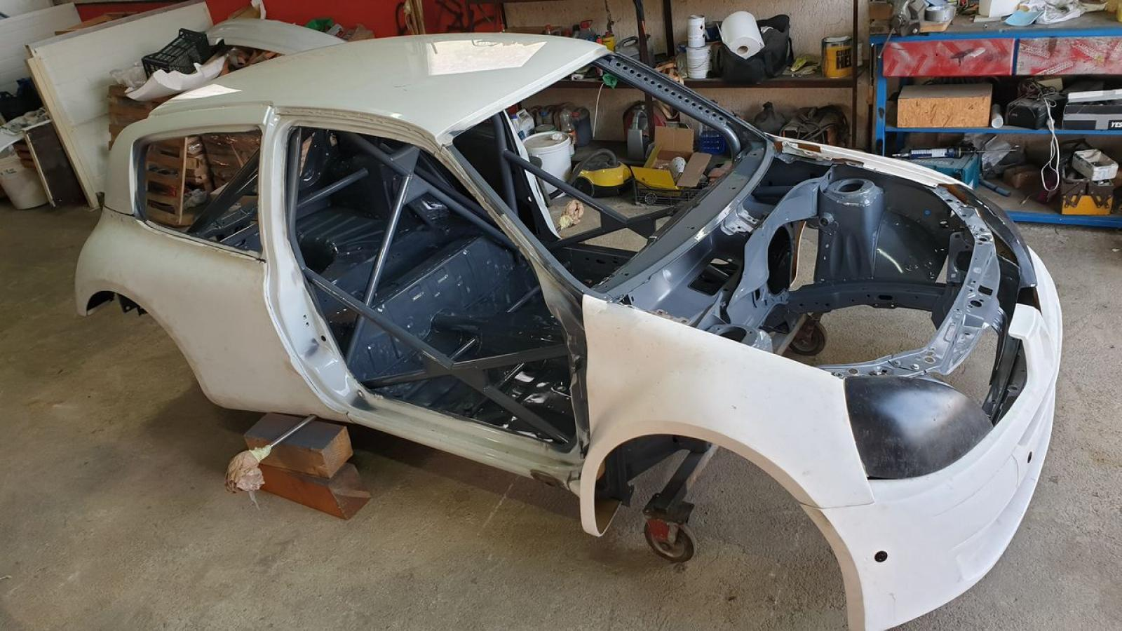 Renault Clio S1600 chassis - 1