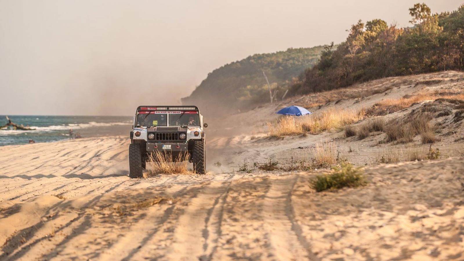Mercedes Benz Unimog Hummer H1 Rally Truck - 5