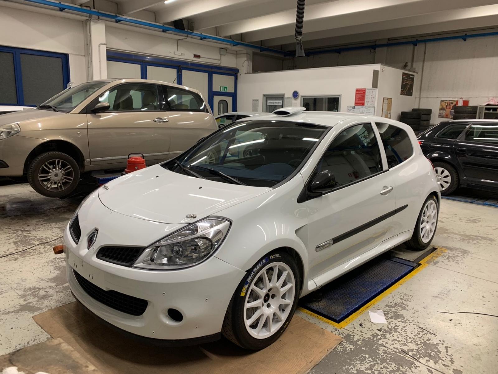 Renault Clio R3C Maxi - 4