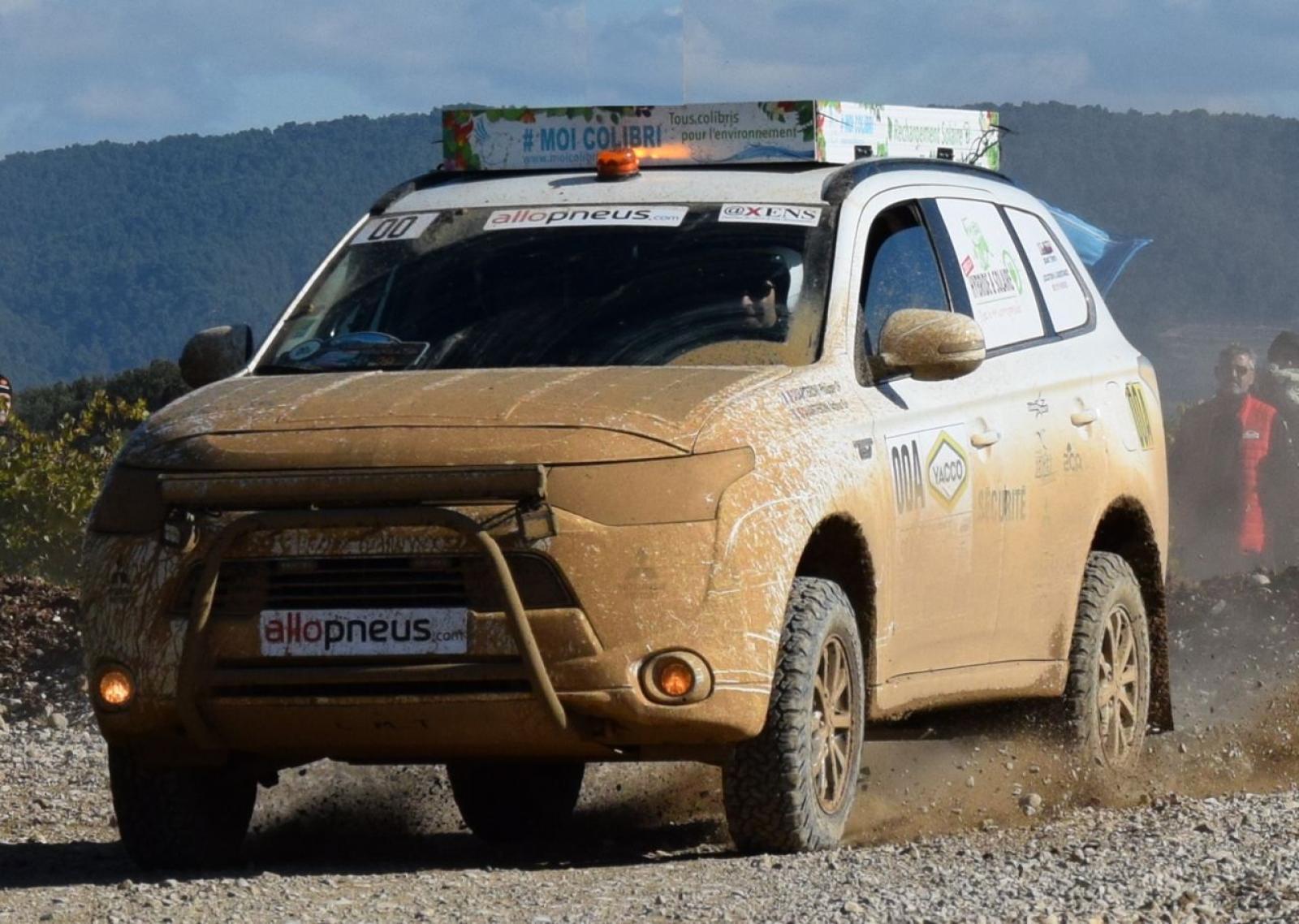 MITSUBISHI Outlander 4x4 PHEV Hybrid og sol til rallyorientering og ekspedition - 1