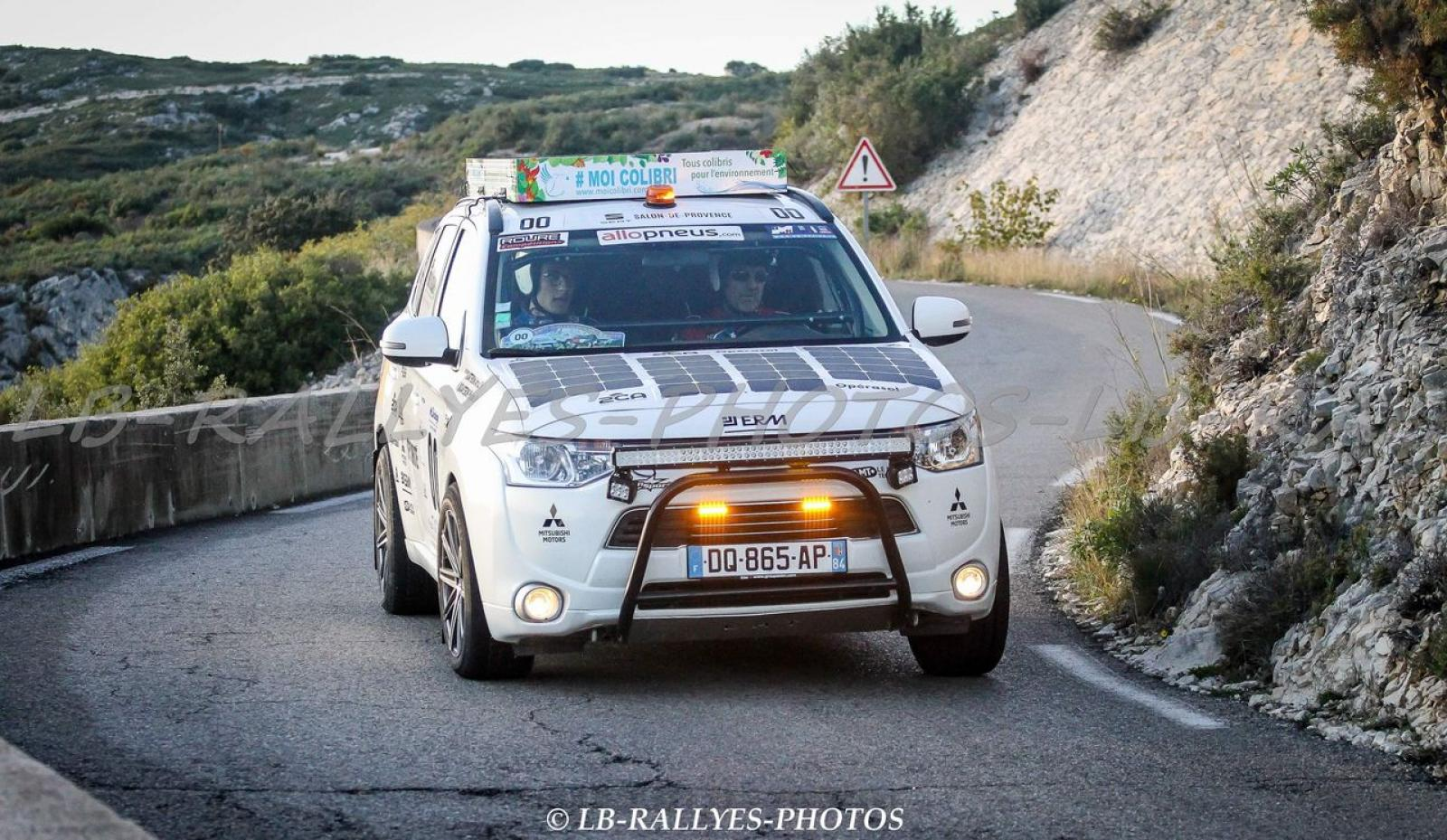 MITSUBISHI Outlander 4x4 PHEV Hybrid and Solar for Rally Orientation and Expedition - 2