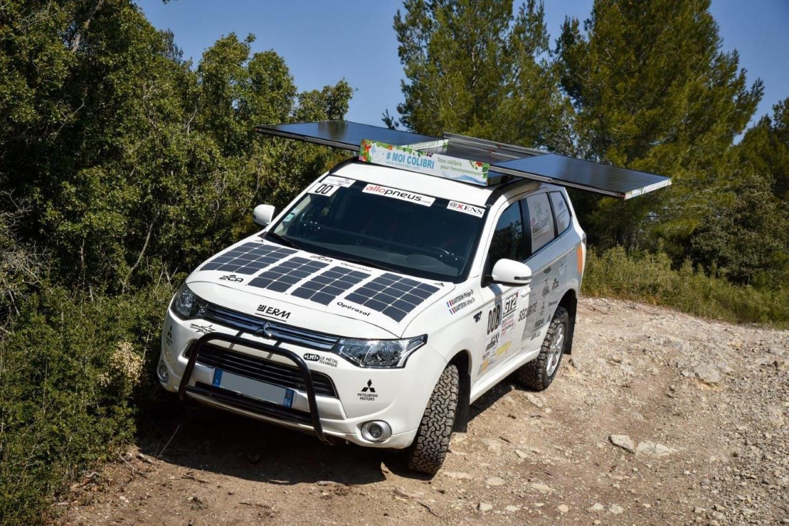 MITSUBISHI Outlander 4x4 PHEV Hybrid og sol til rallyorientering og ekspedition - 2