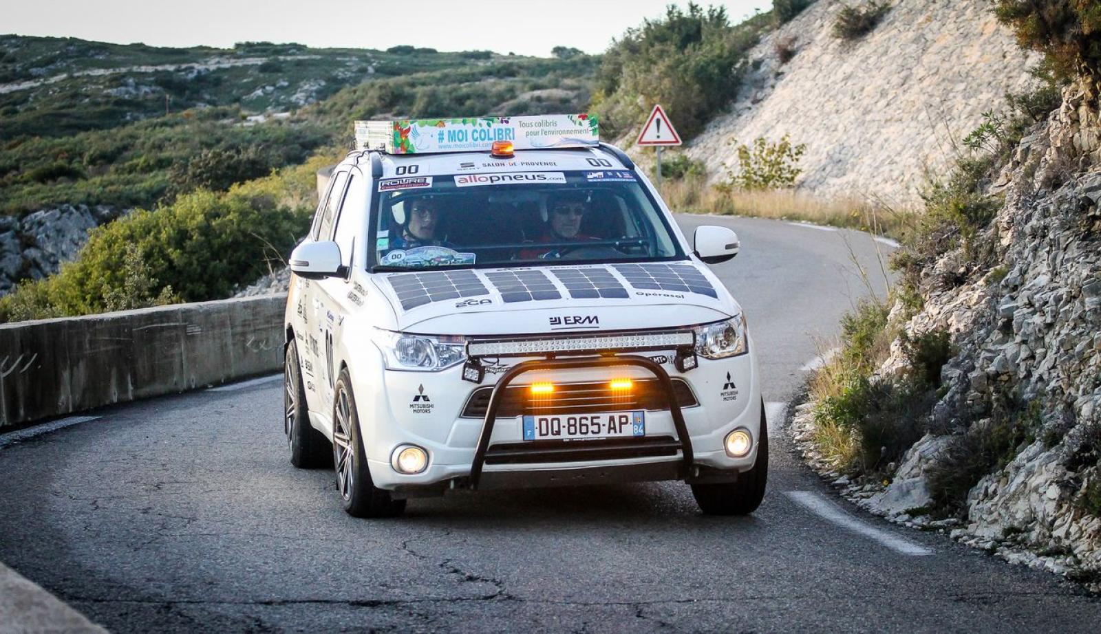 MITSUBISHI Outlander 4x4 PHEV Hybrid og sol til rallyorientering og ekspedition - 3