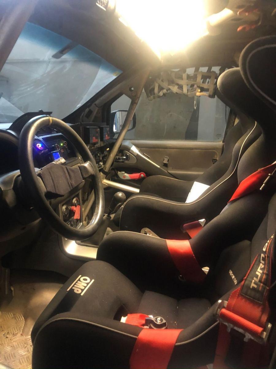 Nissan Pathfinder 2.5 T2 - 5