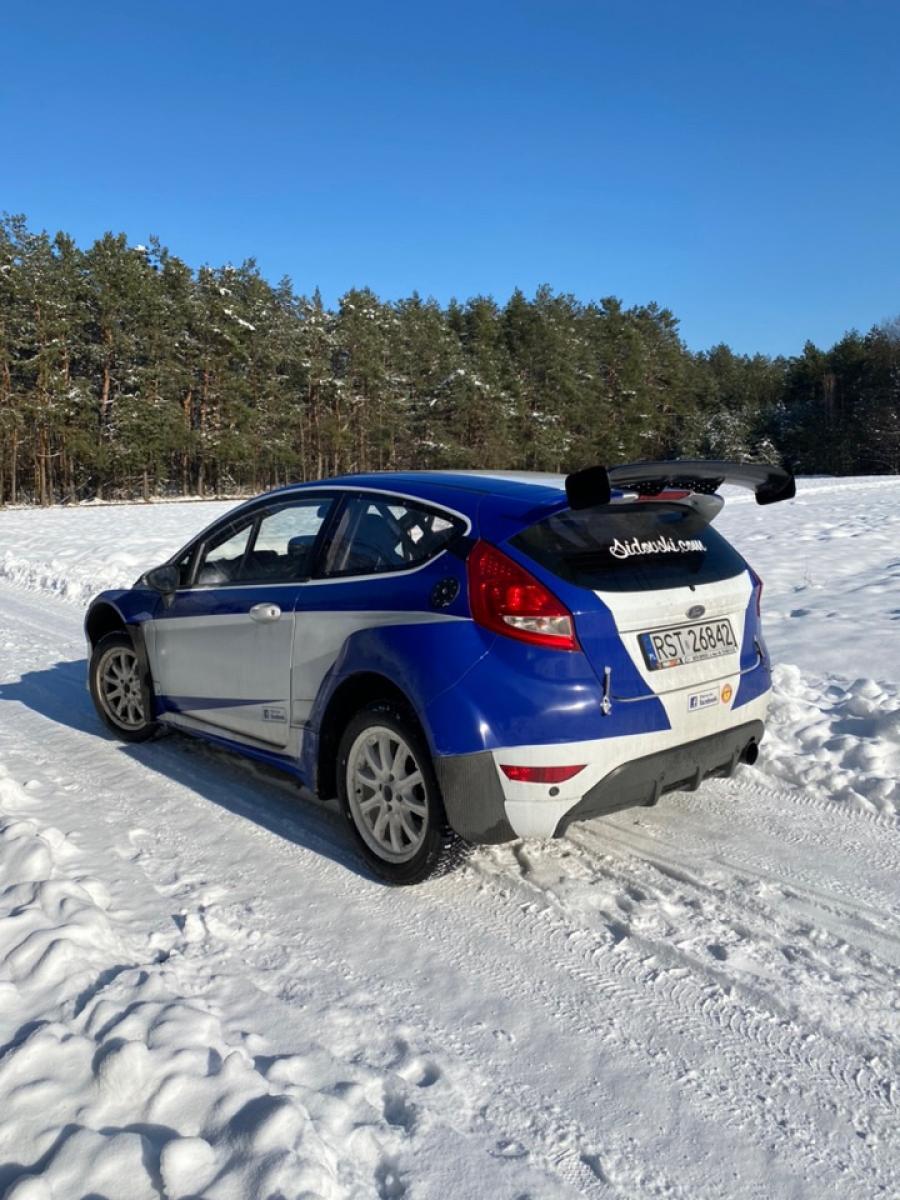 Ford Fiesta R1 - 4