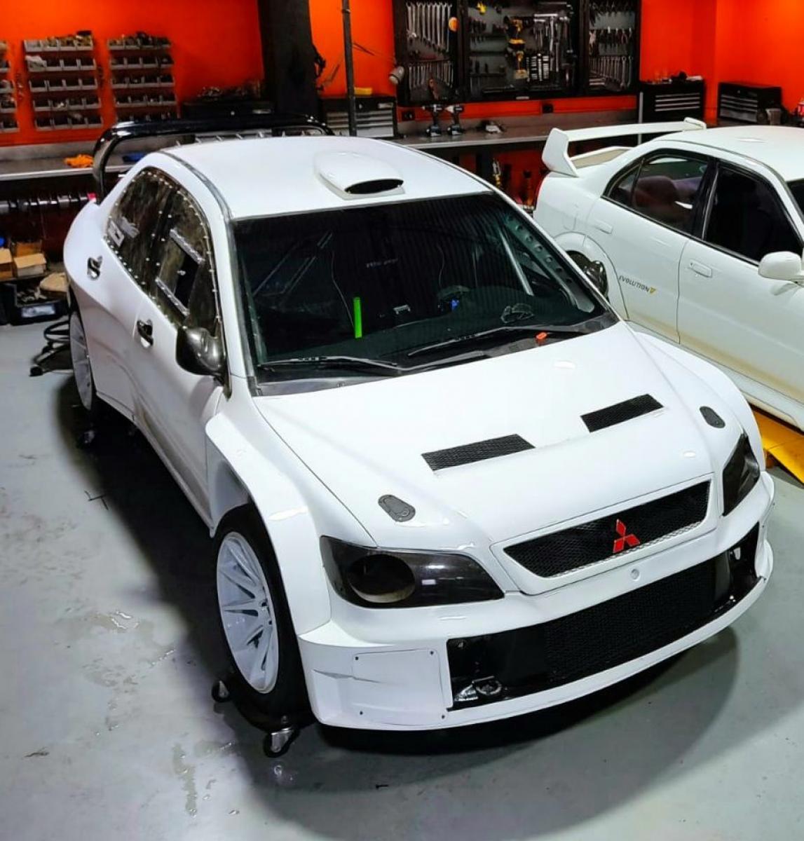 Mitsubishi Evo 9 WRC Replica - 1