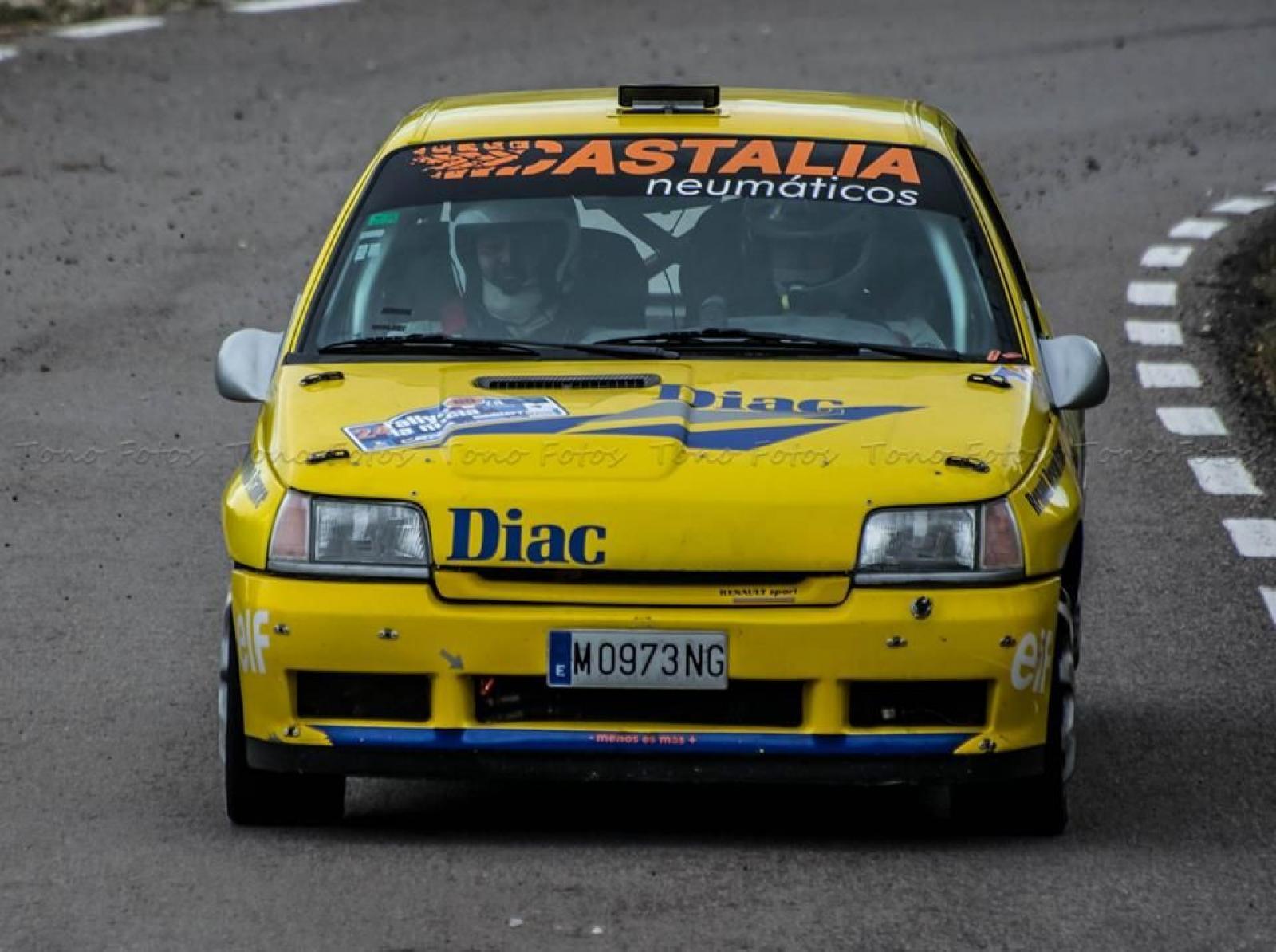 Renault Clio 16v Gr, A / F2000 - 1