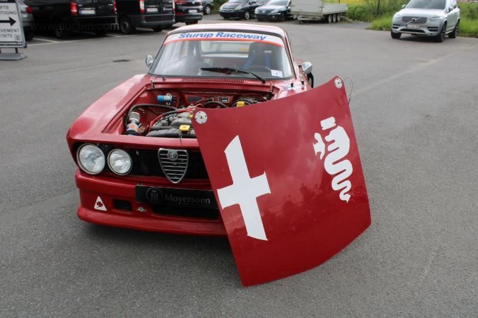 Alfa Romeo GT 1750 Veloce - 3