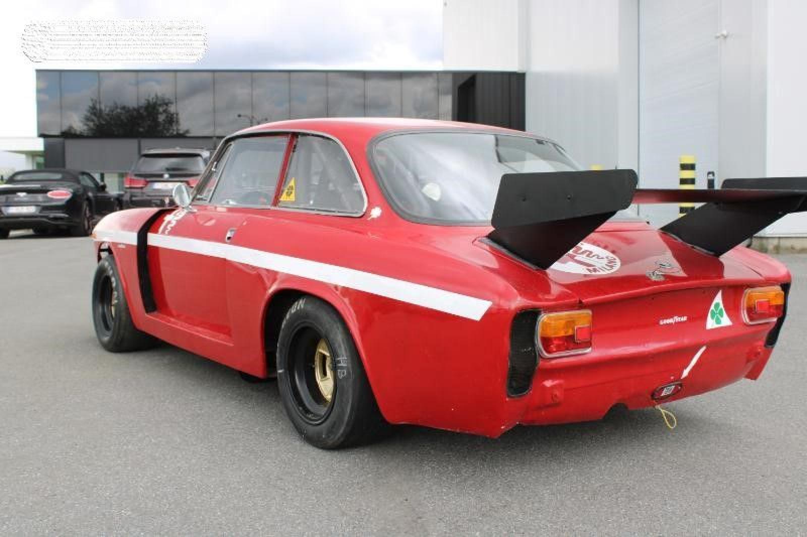 Alfa Romeo GT 1750 Veloce - 5