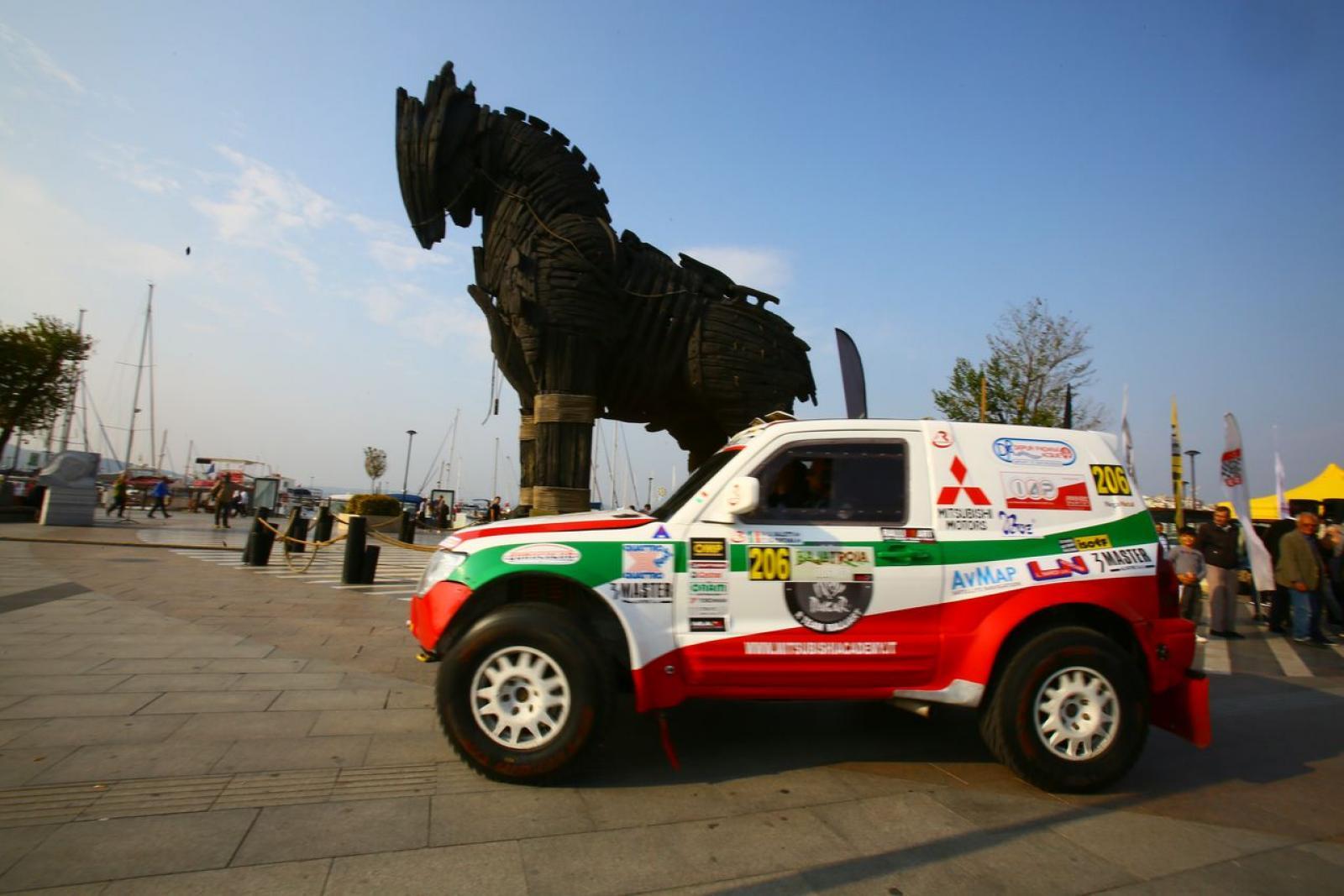 Mitsubishi Pajero WRC T1 - 3