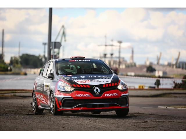 renault clio r3t location voiture de rallye france. Black Bedroom Furniture Sets. Home Design Ideas