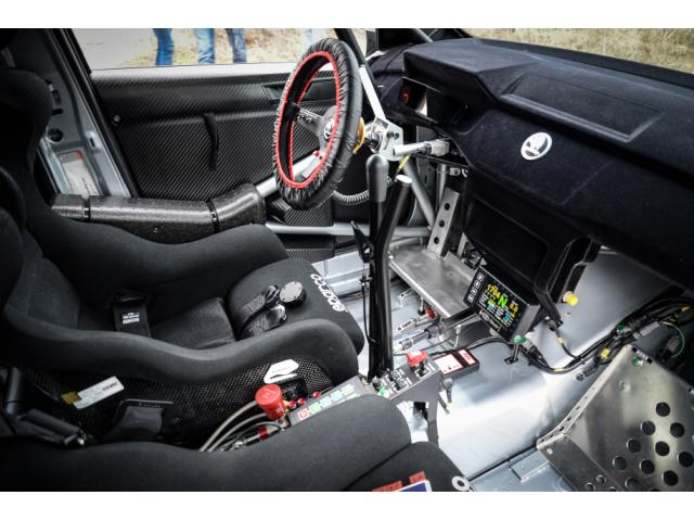 skoda fabia r5 location voiture de rallye france. Black Bedroom Furniture Sets. Home Design Ideas